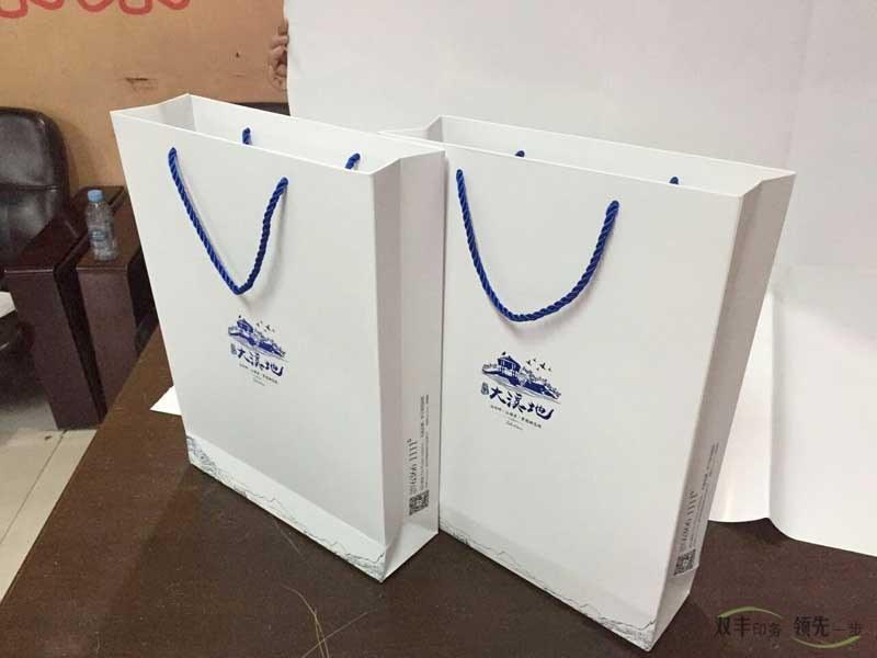 手提袋12博备用网站厂高标准手提袋制作就选12博12bet官网12博备用网站