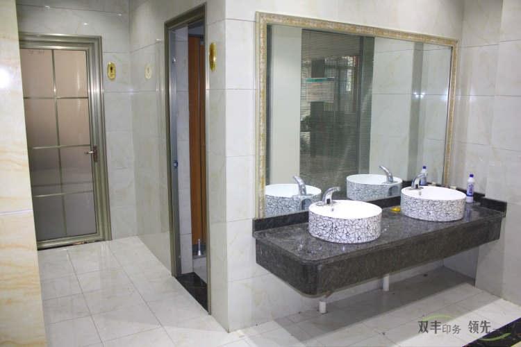 双丰印务办公楼干净的走廊
